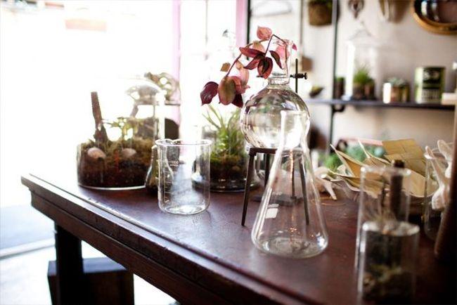 700_crimson-floral-beaker