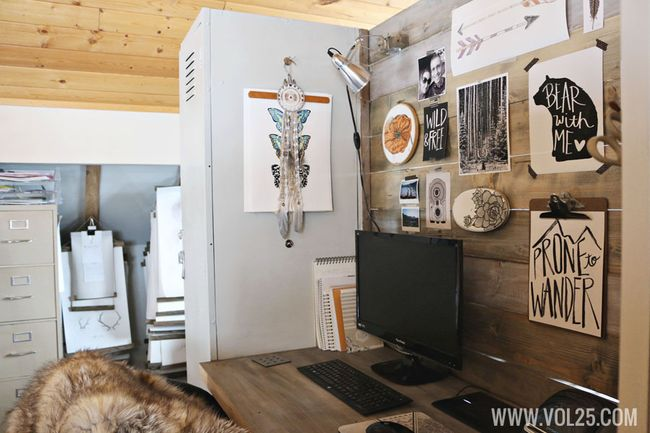 Studio space with wood wall by vol25
